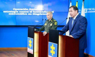 Fiscal Mario Espitia y el General Óscar Atehortúa, en rueda de prensa. Foto: Fiscalía