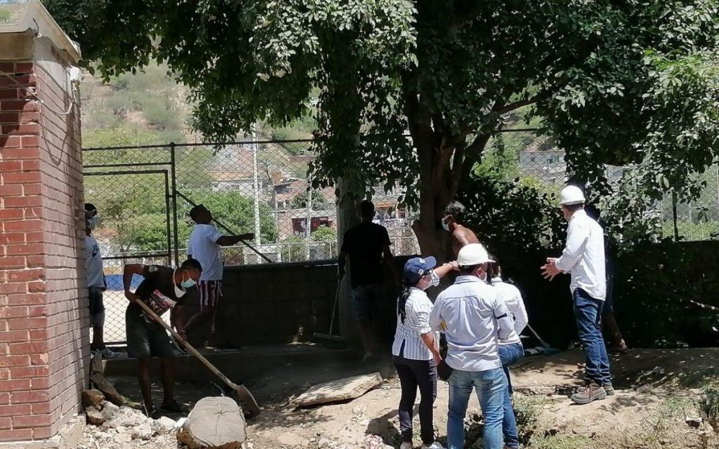 Alcaldia y comunidad trabajan de la mano para mejorar el espacio público del barrio El Pando - Noticias de Colombia
