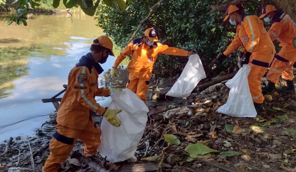 18 toneladas de desechos fueron recogidas en Los cocos - Noticias de Colombia
