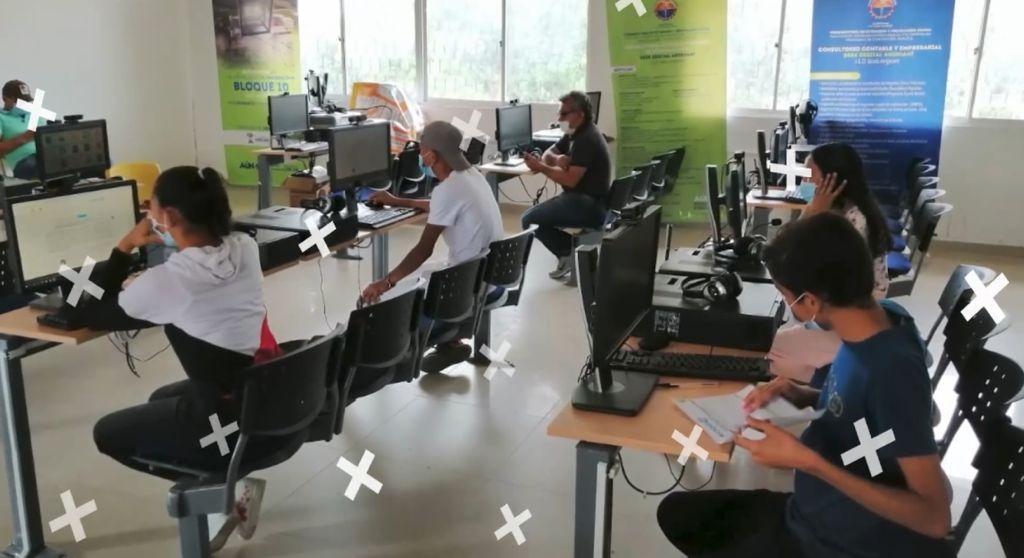 Gobernación crea 'Escuela Virtual del Cambio' para estudiantes de 10° y 11° de colegios públicos - Noticias de Colombia