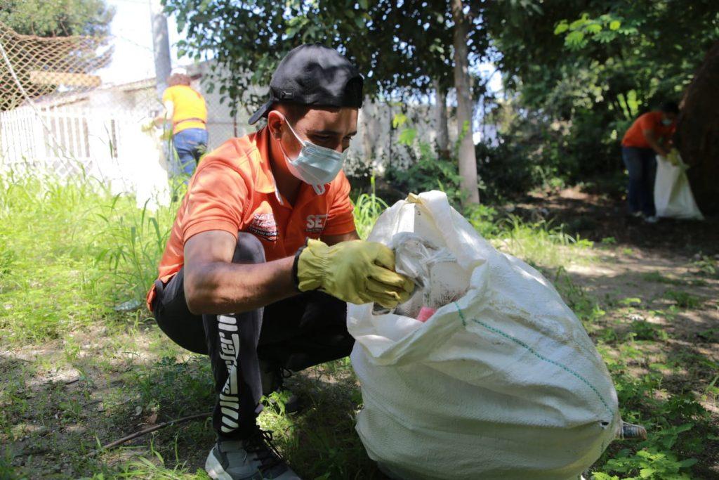 Con jornadas de limpieza en el río Manzanares, el SETP promueve conciencia y cuidado del medio ambiente - Noticias de Colombia